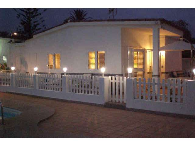 The Bungalow at night - Los Valles II, Playa del Ingles, Gran Canaria